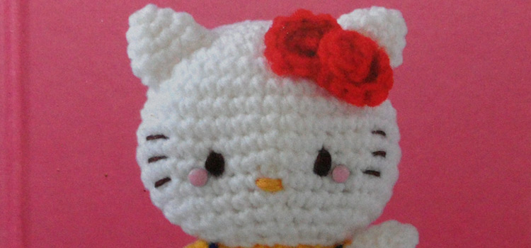 Hello Kitty Crochet book – A craft book review